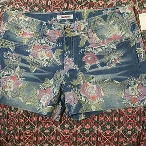 Bongo floral denim shorts